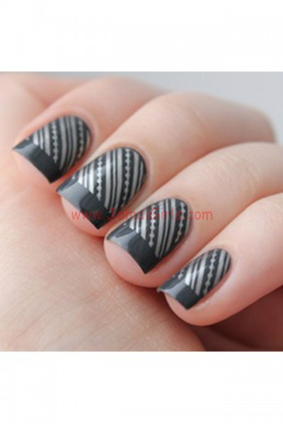 large_Ideas-for-Striped-Nail-Art-Inspiration-Fustany-19