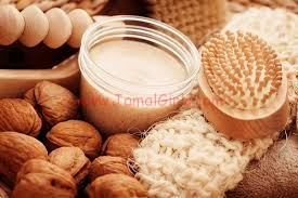 فوائد تقشير بشرة الوجه والتخلص من الجلد الميت