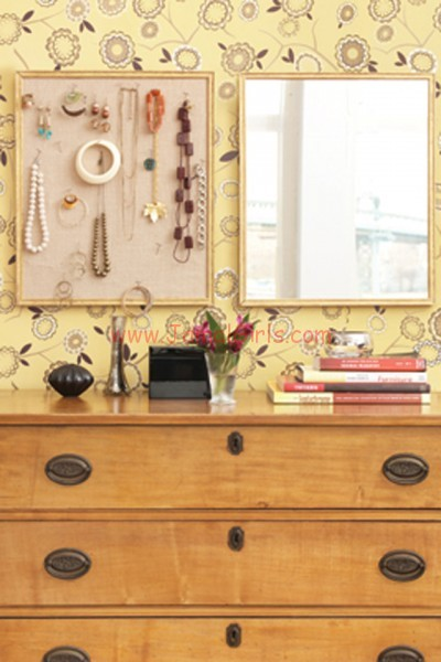 large_creative_way_to_organize_accessories
