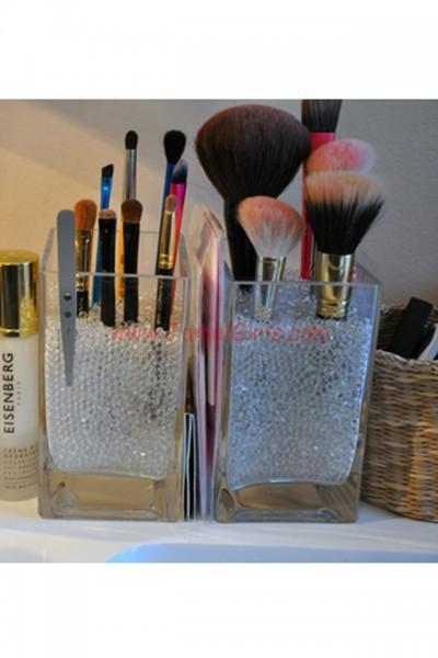 large_creative_way_to_organize_makeup_2 (2)