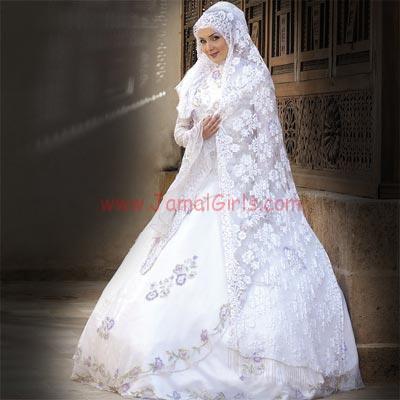 تنسيق فستان الزفاف مع الاكسسوارات والمجوهرات