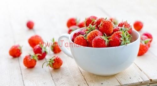 ماسك الفراولة والعسل لعلاج حب الشباب